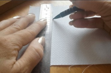 Gridding cross stitch fabric
