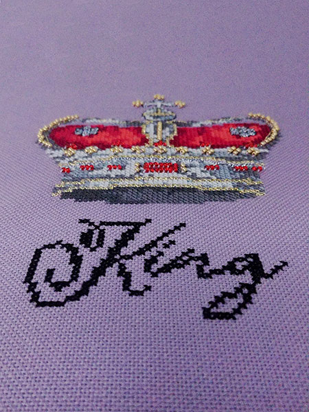 King crown cross stitch pattern