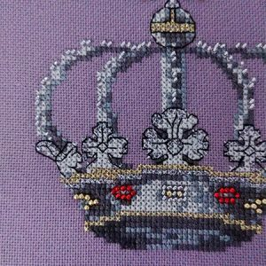 Queen cross stitch pattern